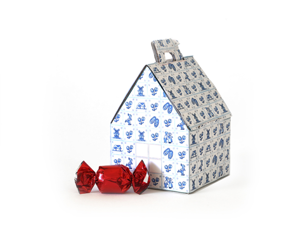 Delft blue house with pralines 60 gram