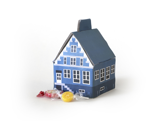 Delft blue house with hard candy 60 gram